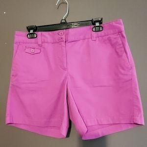 Ann Taylor Loft Chino Shorts. Sz. 8. NWT.